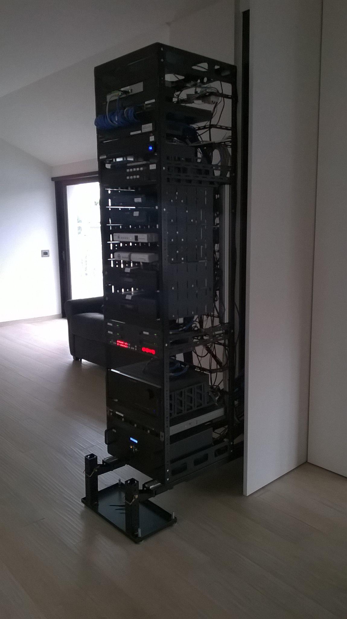 realizzazione rack tipo custom