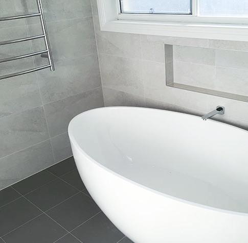 Joanne - Main Bathroom