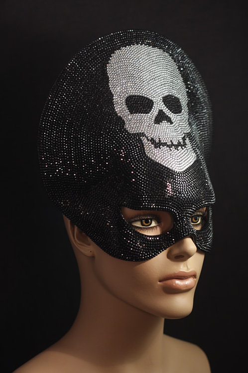 "Mask ""Liberty – Diamond Skull"" Price on request"