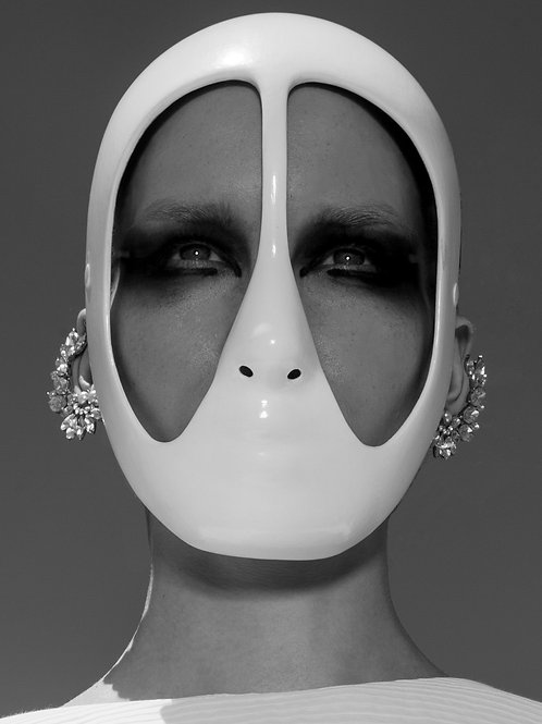 "Mask ""Black & White"" 02"