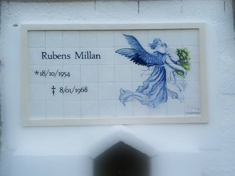 Painel em Azulejos jazigo anjo leva