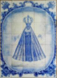 painel em azulejos nossa senhora aparecida em tons de azul alice candeias