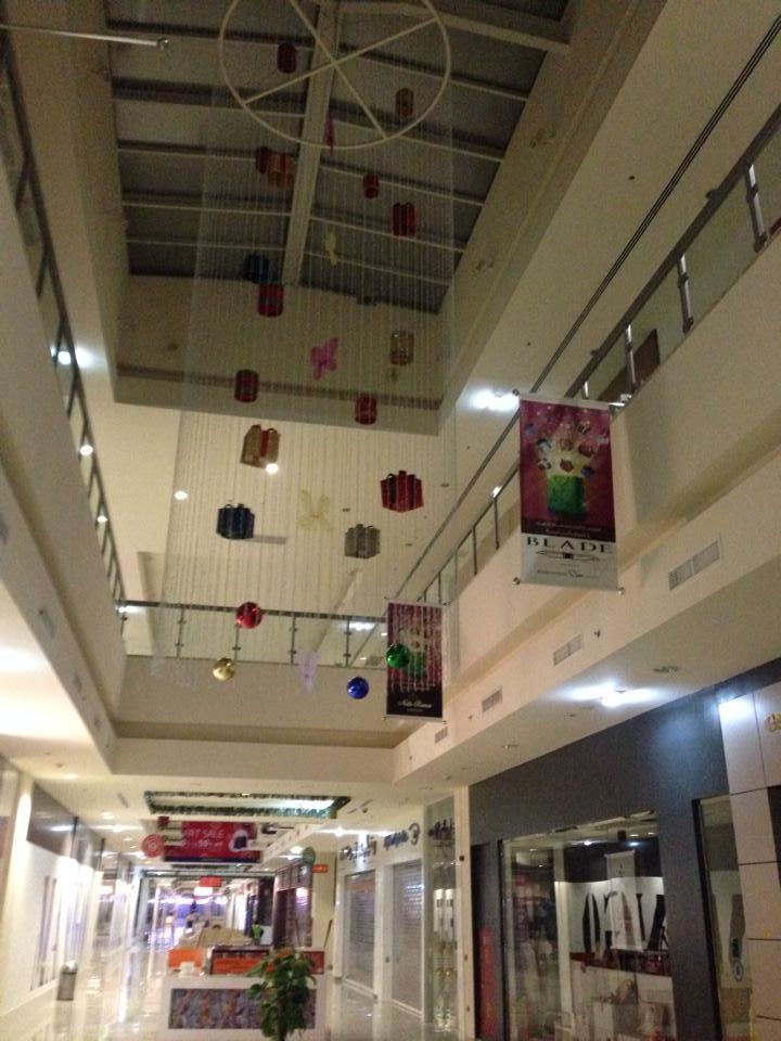 Mall banners.jpg