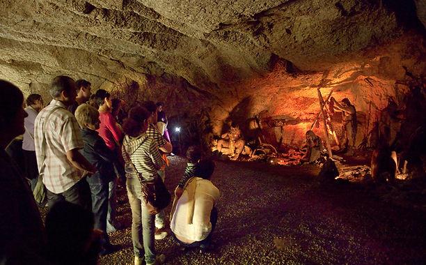24 Cuevas de L'Espluga (2).jpg