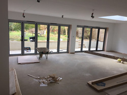 Large extension with bifolds
