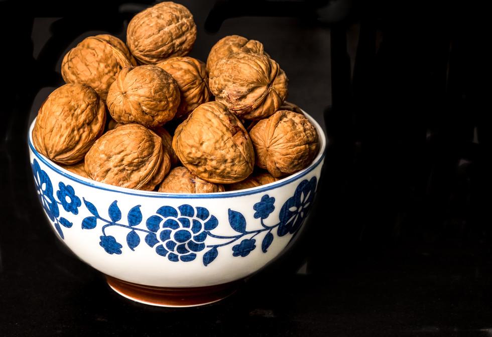 Bowl with walnuts_03.jpg