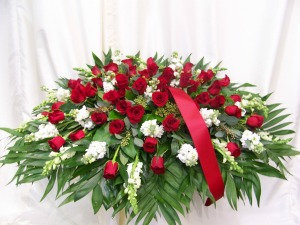 Casket Cover Rose & White