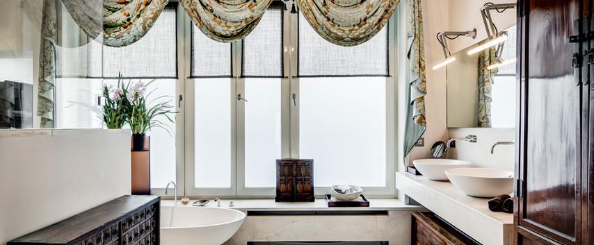 Patrician Suite bathroom I.jpg