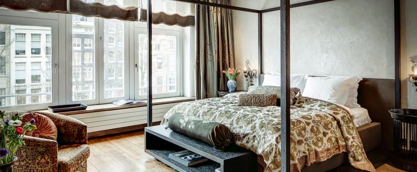 Patrician Suite bedroom I.jpg