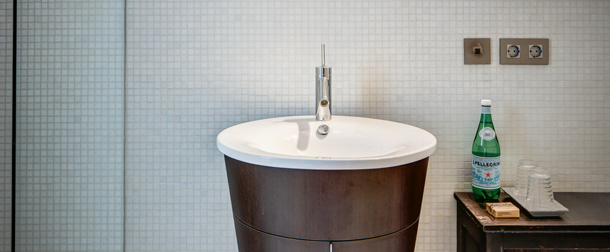 Regent Suite bathroom I.jpg