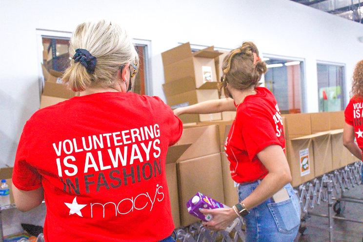 _Voluntarios_Macys_Puerto_Rico3.JPG
