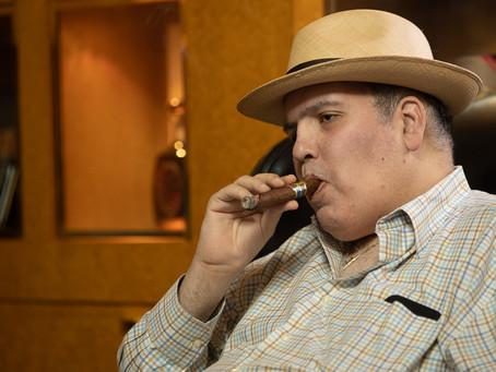 Tabacalera Falto, nacido en Mayagüez, cumple 25 años. como etiqueta de cigarro premium