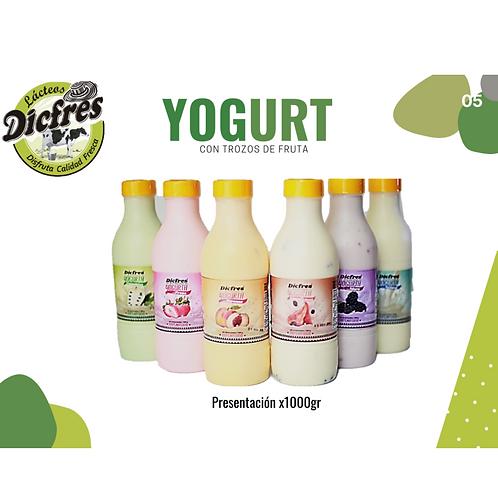 Yogurt Con Trocitos De Frutas