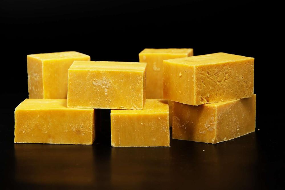 Le savon au beurre de mangue nourrit en profondeur les peaux sèches