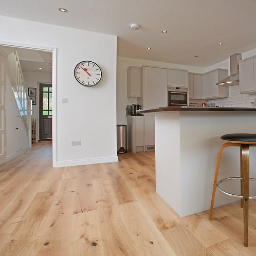 190mm Wide Oak Rustic Brushed & Lacquered