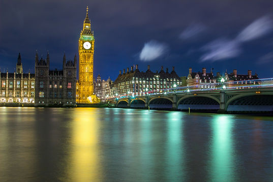 Westminster bridge & Big Ben captured at night by paul norris photography