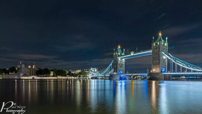 Tower of London & Tower Bridge at night