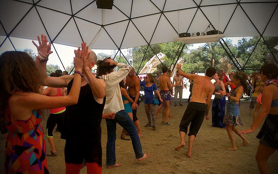 dance_the_planet_vignette_web.jpg