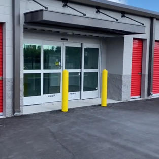 Automatic, extra wide doors