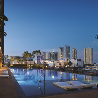Infinity Pool with Gurney Drive Metropolis View