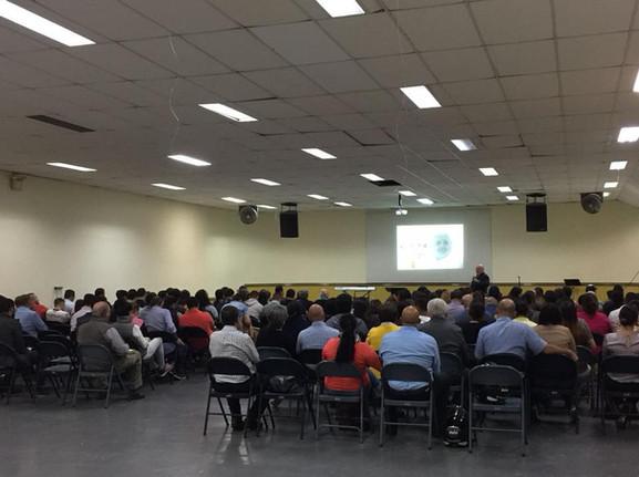 Entrenando el liderazgo de Iglesia Oasis De Esperanza Moravia.