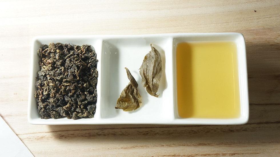high quality loose leaves, mountain tea leaf