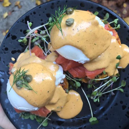 Salmon Eggs Benedict(LF/SCD)