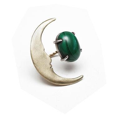大きな月とマラカイトのリング.jpg