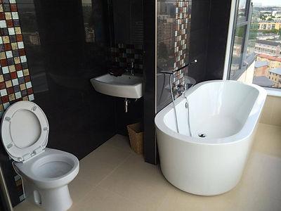 bathroom-london-clean-white.jpg