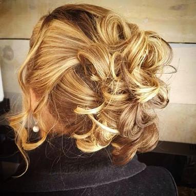 Blond & Beautiful Up-Style