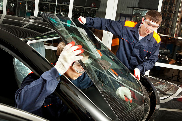 windshield replacement in Mississauga