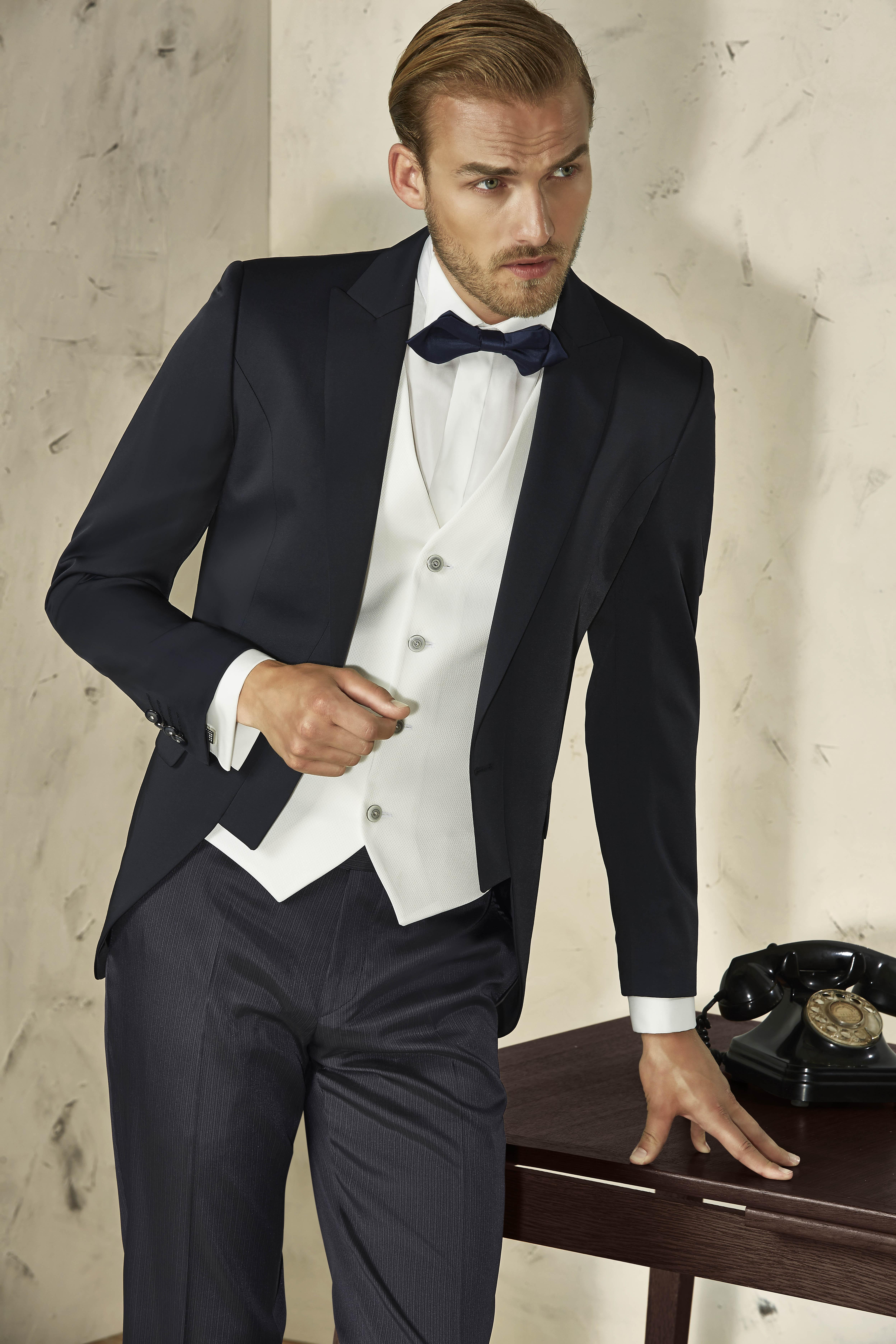 mod-19 blanco con negro en seda
