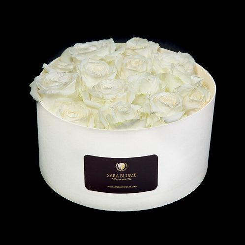 caja de madera rosas blancas