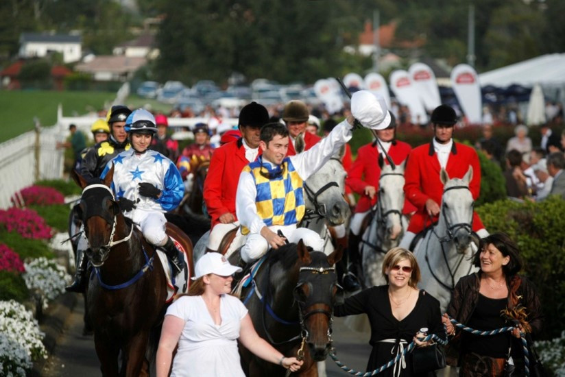 2007 & 2008 Auckland Cup winner, Prize Lady, returns to scale with trainer Debbie Sweeney (immediately to the right of the horse)