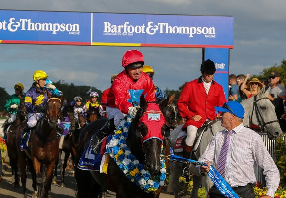 2016 Barfoot & Thompson 'roughie' El Soldado returning to the Birdcage ahead of the pack after his memorable win