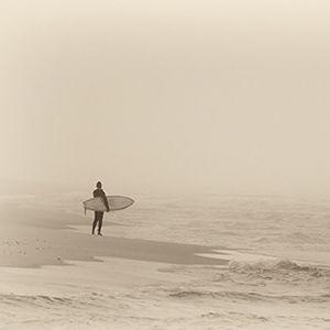 Lo18 - Lone Surfer - 300x300.jpg