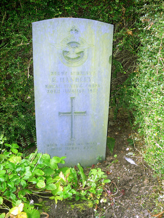 Final Resting Place of Sgt Ernest Handley, ex 6 Squadron