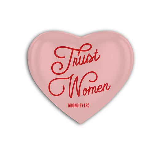 MOOND 缶バッヂ Trust Woman