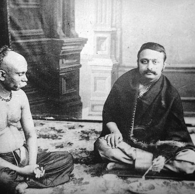 Brahmino durante le sue funzioni
