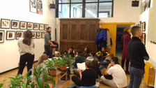 """Other students of the Isos Albe Steiner are here at """"la Casa di Vetro"""" for the guided tour by the cu"""