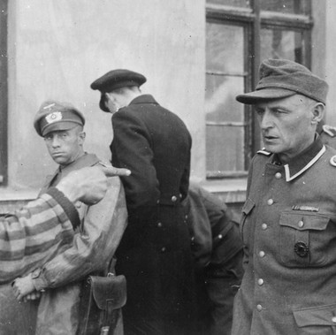"""Russian slave laborer among prisoners liberated by 3rd Armored Division points out former Nazi guard who brutally beat prisoners"""
