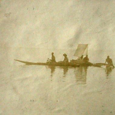 Sulle Piroghe presso il Lago Zuai