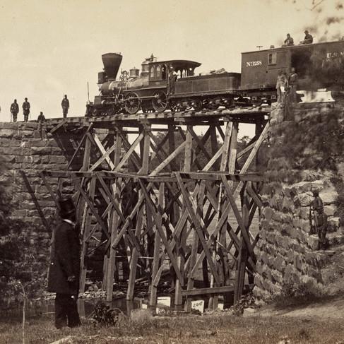 Il Ponte per la ferrovia Orange & Alexandria  viene riparato dagli ingegneri dell'esercito sotto il colonnello Herman Haupt