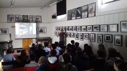 oggi a la Casa di Vetro Alessandro Luigi Perna ha incontrato anche gli studenti della Canadian Inter