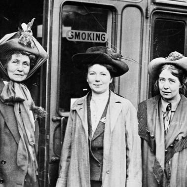 Emmeline, Christabel e Sylvia Pankhurst, leader del movimento delle suffragette inglesi