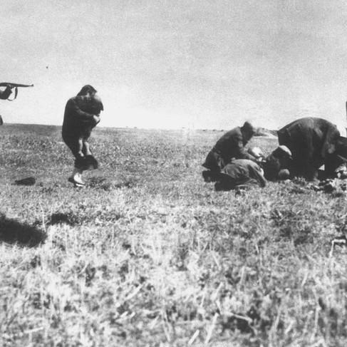 """""""Einsatzgruppen (*) murder Jews in Ivanhorod, Ukraine, 1942""""  (*) Einsatzgruppen: German army mobile killing units   1942 Ivangorod Ukraine Author unknown Source Wikipedia Commons"""