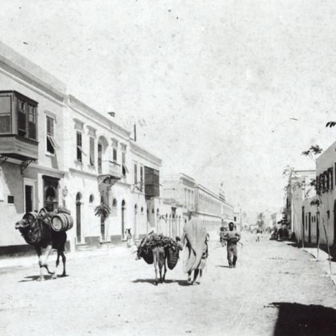 """""""Una delle principali strade di Tripoli"""""""