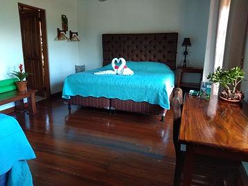 Honeymoon Suite Luna Inn (4).jpeg