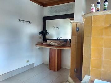 Baño Honeymoon Suite.jpeg