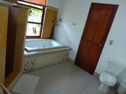 Baño Honeymoon Suite (4)